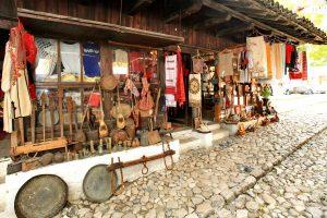 Pazar_mercato_tipico_kruja